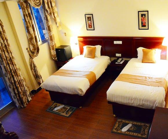 Twin bedroom at Yared Zema Hotel